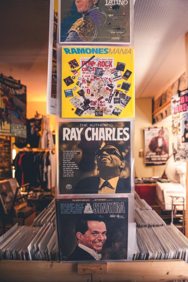 Tom's Oldie Schallplatten und Poster